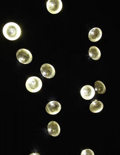 Nénuphars, laiton et LEDs blanc pur