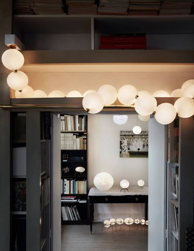Pearl Necklace chandelier, put on a shelf